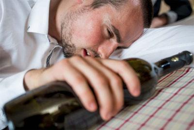Тошнит желчью после алкоголя