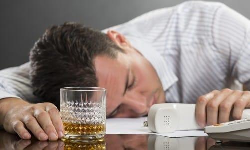 Более частое возникновение рака у мужчин объясняется злоупотреблением алкоголя