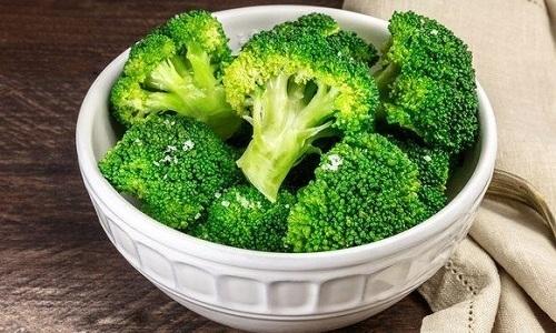 К числу самых полезных при панкреатите растительных продуктов относят брокколи