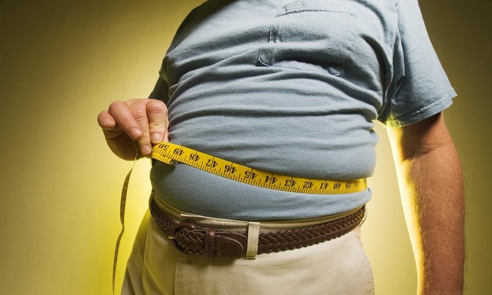 Жировая ткань накапливает половые гормоны, что нарушает их баланс в организме. Это способствует распространению измененных клеток