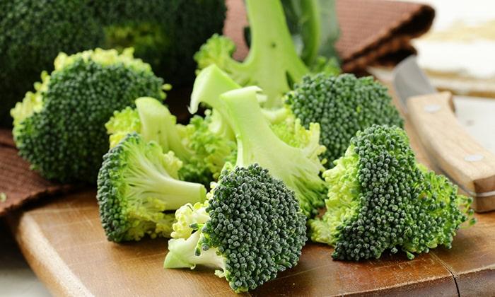 Для овощного суфле необходимо 200 г цветной капусты