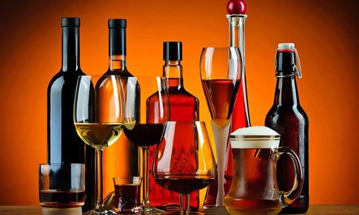 Прием крепких напитков во время лечения недопустим