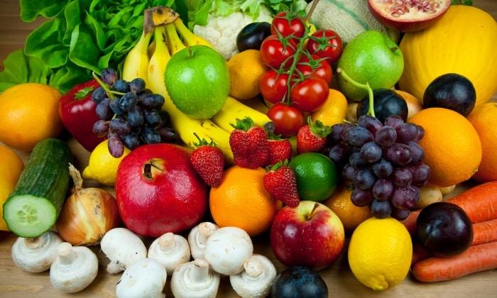 Допускается употребление свежих овощей и фруктов