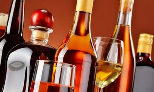 Алкоголь при панкреатите - это и причина заболевания, и ее катализатор во время приступов, и потенциальная опасность на этапе восстановления