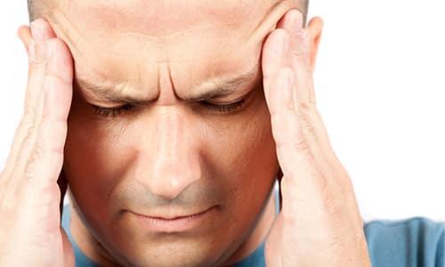 Головная боль - неприятный симптом панкреатита, доставляющий пациенту множество неудобств