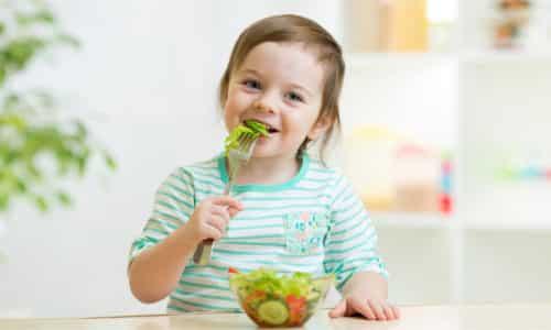 Ребенок, у которого диагностирован панкреатит, нуждается в немедленной корректировке питания