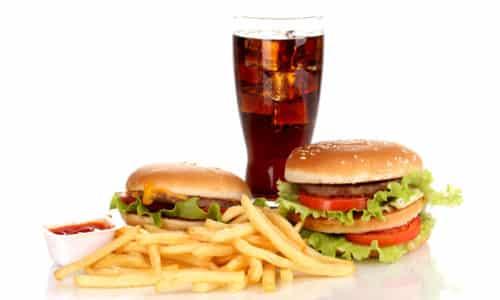 Фаст-фуд (гамбургеры, картофель фри и т.д.) запрещены к употреблению