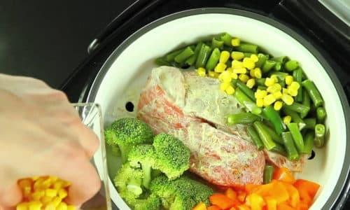 Диета 5 при панкреатите позволяет разнообразить меню за счет приготовления пищи на пару, запекания в духовке, тушения в мультиварке, варки или припускания