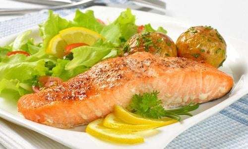 Вне зависимости от сорта рыбы при панкреатите хронической формы следует использовать в приготовлении блюд только филе