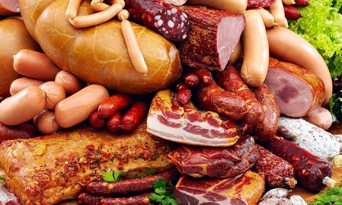 Копченая, жареная, маринованная, жирная пища запрещена