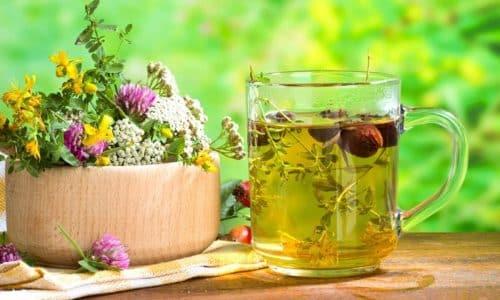 При панкреатите применяются народные средства, которые улучшают отток поджелудочного сока, расслабляют мышцы, оказывают противомикробное и противовоспалительное действие