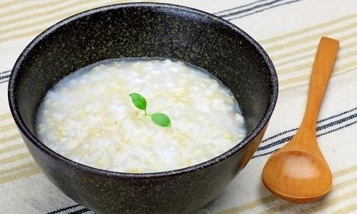Полезным блюдом при панкреатите и холецистите является жидкая рисовая каша