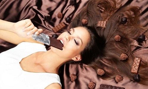 В список запрещенных продуктов при панкреатите и холецистите входит шоколад