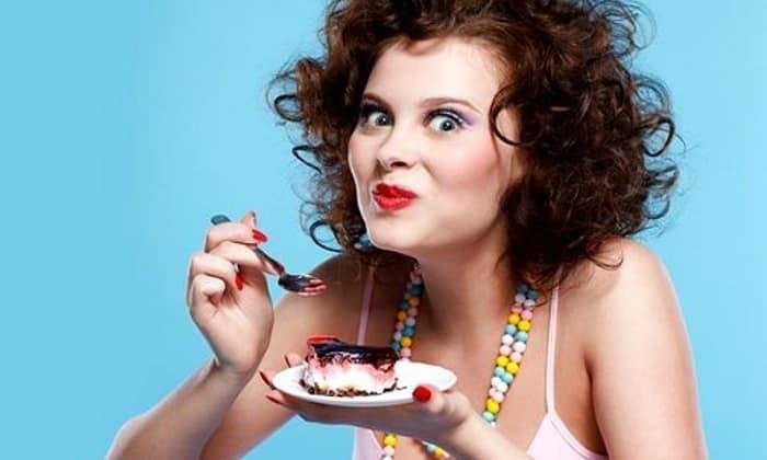 Диетологи не рекомендуют кушать кондитерские изделия с жирным кремом