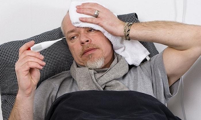 Также у больного панкреатитом может повыситься температура тела