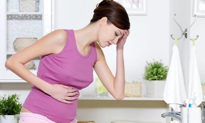 При дисфункции поджелудочной железы появляется урчание и тяжесть в животе