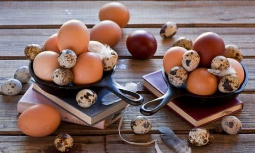 Кроме куриных, при панкреатите допустимо использовать перепелиные яйца как более диетический источник белка, витаминов и полезных микроэлементов