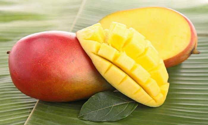 Нельзя кушать в первое время после приступа и в период ремиссии манго