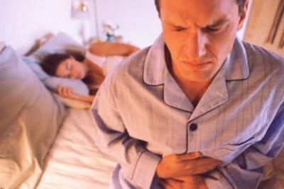 От язвенной болезни 12-перстной кишки страдают люди молодого и среднего возраста, в основном мужчины