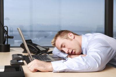 Чаще всего у больных людей с повышенной кислотностью наблюдается быстрая утомляемость