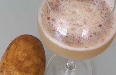 Употреблять свежевыжатый напиток следует непосредственно после приготовления, так как полезные свойства продукта сохраняются всего лишь 10 минут после выжимки