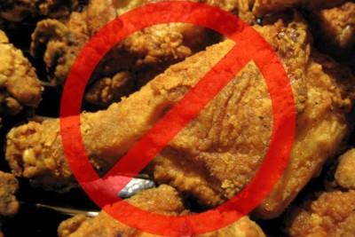 Если повышен билирубин нужно соблюдать диету, например, отказаться от жаренного