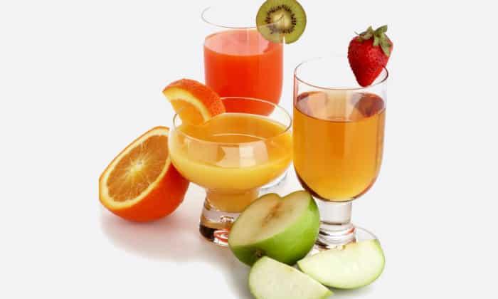 Чтобы была усиленная перистальтика кишечника, следует пить больше ягодных и фруктовых соков