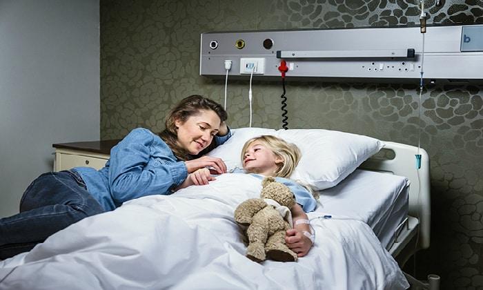 Часто требуется госпитализация в инфекционное отделение