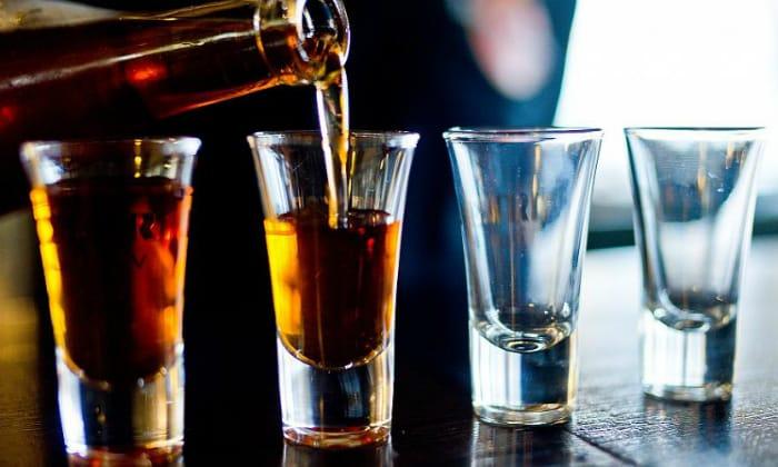 Абсолютный запрет касается употребления алкоголя