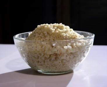 Очень тяжелым продуктом питания, особенно при отравлении, является перловая каша.