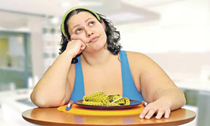 В группу риска входят представительницы женского пола увлекающиеся различными диетами