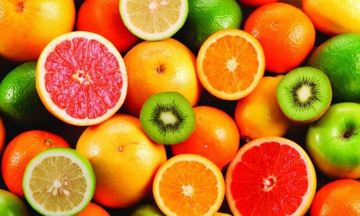 При проблемах с тонких кишечником можно употреблять фрукты