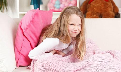 Когда у ребенка очень болит живот, то в медицине принято называть эту боль абдоминальной
