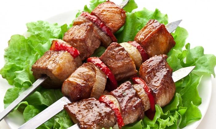 Больной должен отказаться от жирных, жареных, острых и соленых блюд