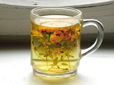 Огромнейшей популярностью пользуются домашние лекарства от газов, основным ингредиентов которых являются лекарственные травы и растения.