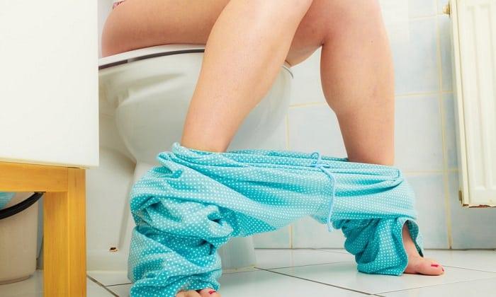 Обострение панкреатита могут сопровождать поносом с жиром
