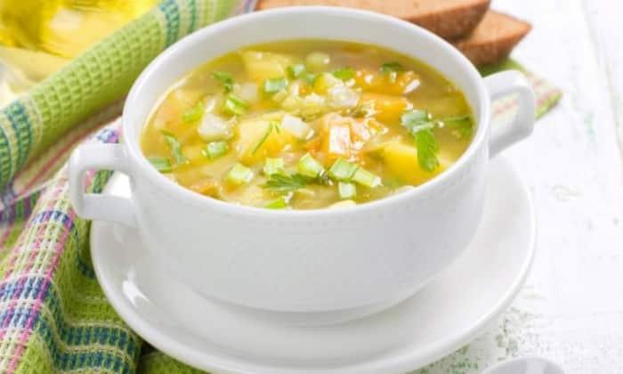 Помните, что супы при отравлении должны быть постными и не содержать в себе жирного бульона