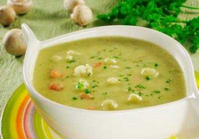 Без опасения можно кушать разваренные супы с любой крупой, кроме пшена