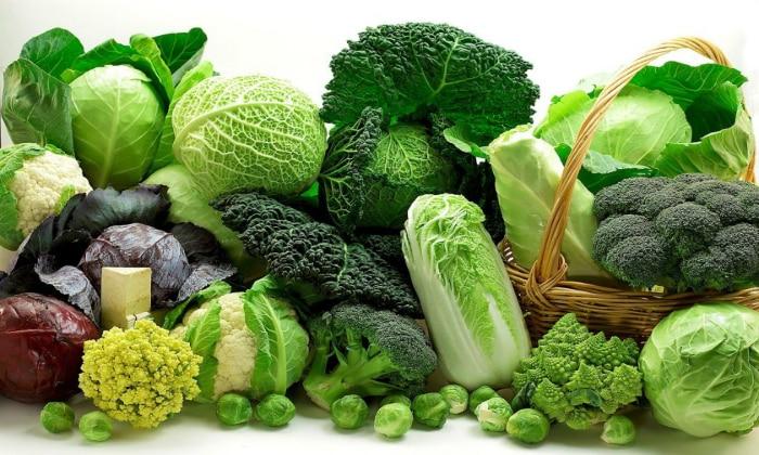 К продуктам, которые становятся причиной газообразования в кишечнике и брожения, специалисты относят капусту