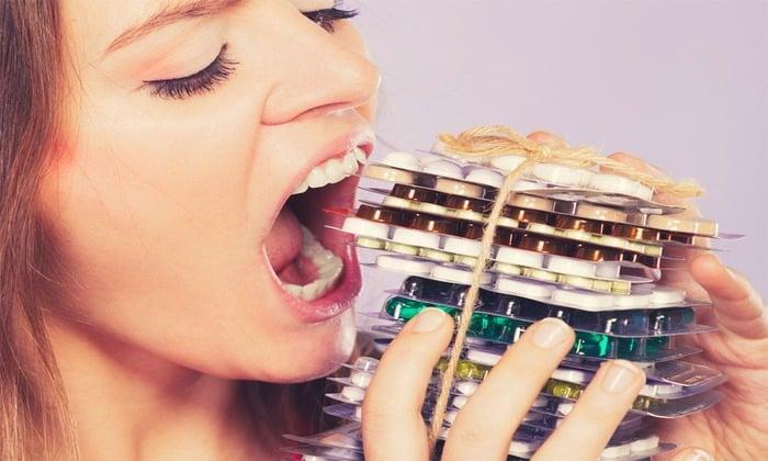 Принятия препаратов может вызвать тошнату