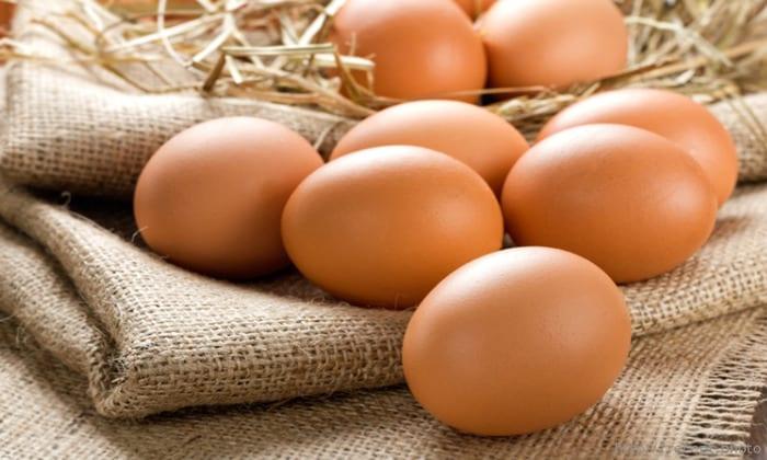 Так же можно употреблять яйца, но не более 2 штук в день