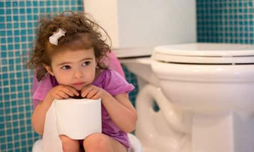 Не только неправильное питание может стать причиной запоров у детей 2 лет