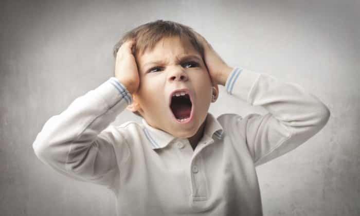 Перенесенные ребенком стрессовые ситуации и некоторые психоэмоциональные нагрузки могут стать причиной болей