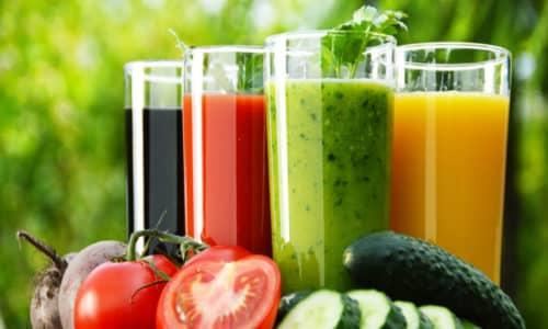 Свежевыдавленные соки, в частности, овощные, можно пить
