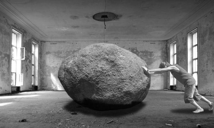 Не поднимайте тяжестей, рассчитывайте свои силы, если имеется возможность, то старайтесь избегать подобных действий