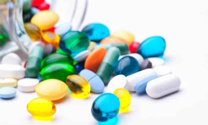Снять боль можно обезболивающими препаратами, которые назначит гастроэнтеролог только после того, как определит уровень болевого синдрома