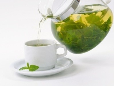 Положительно влияет на организм употребление лечебного чая