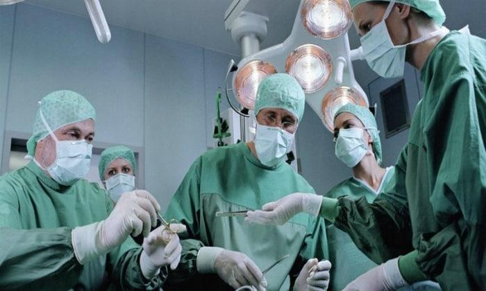 Нарушения могут быть обусловлены хирургическим вмешательством, в ходе которого поджелудочная железа или ее часть была удалена полностью