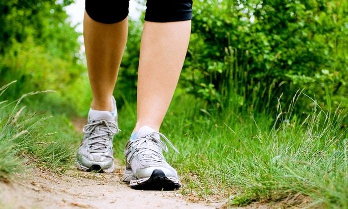 Обязательно нужно гулять на свежем воздухе. Ходьба - лучшее средство для профилактики