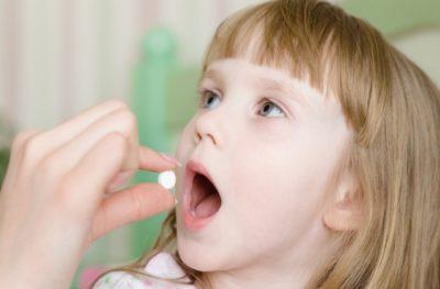 Креон 10000 детям назначается для эффективного избавления их от колик в кишечнике